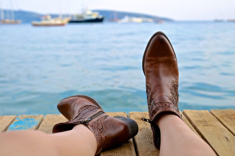 boots 828975 1920 768x512